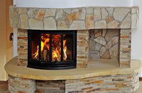 Dlaczego warto mieć kominek w domu?